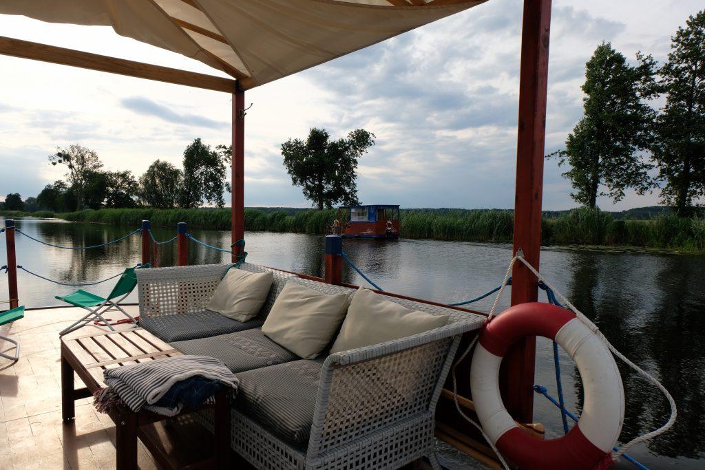 Bequeme Lounge-Möbel auf der Meena von Malliß
